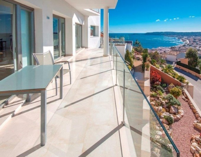 Modern Villa With Panoramic Views Of The Bay Of Javea And