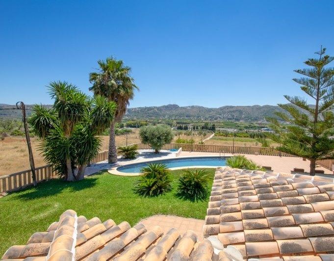 Villa De Estilo Mediterraneo Orientada Al Sur En En