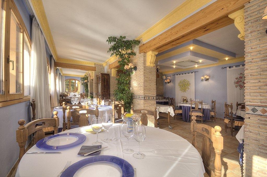 Restaurante con 2 viviendas en Jávea